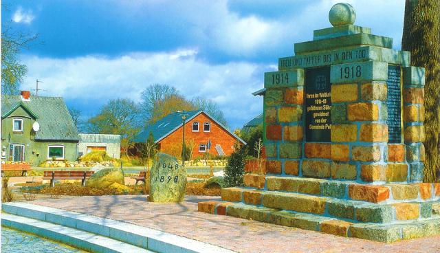 Ortsmitte mit Denkmal